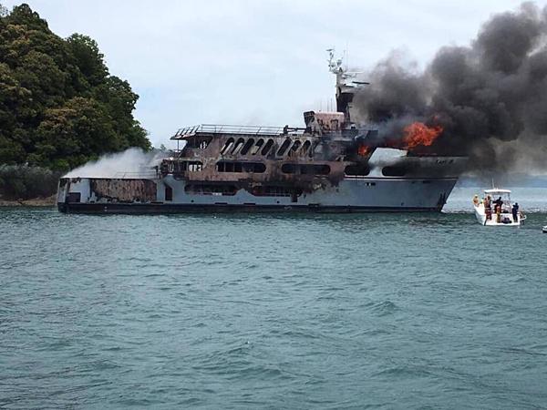 Hỏa hoạn thiêu rụi du thuyền Lady D.