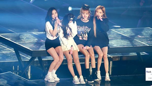 Ngày 10/11/2018, Black Pink có concertđầu tiên tại Hàn Quốc sau hơn 2 năm debut. Các cô gái đã không kìm được nước mắt khi chứng kiến tình cảm của người hâm mộ.