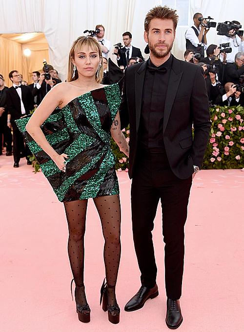 Miley và Liam chia tay sau hơn 8 tháng kết hôn.