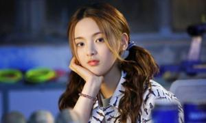 Dương Siêu Việt bất ngờ nhận lời khen diễn xuất trong phim đầu tay