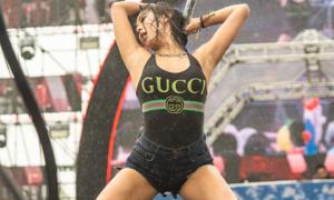 Mỹ nhân Cube gây tranh cãi khi khoe vũ đạo nóng bỏng tại lễ hội Waterbomb