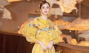 Hoa hậu Sella Trương hóa tiểu thư cổ điển