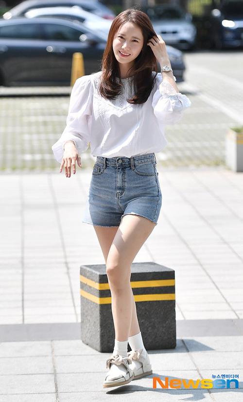 3 kiểu đồ yêu thích giúp Yoona hack tuổi - 2