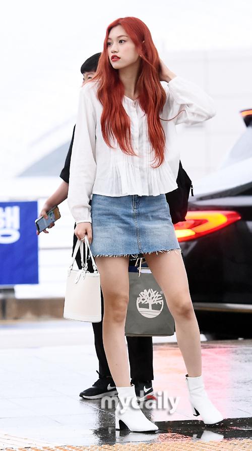 Trang phục hàng ngày của idol có khí chất thời trang nhất Kpop - 2