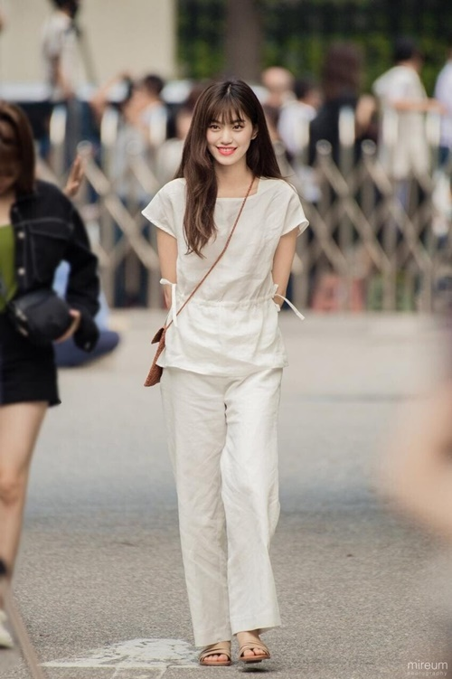 Trang phục hàng ngày của idol có khí chất thời trang nhất Kpop - 7