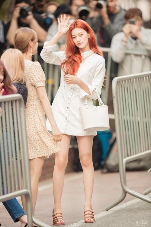 Trang phục hàng ngày của idol có khí chất thời trang nhất Kpop - 8
