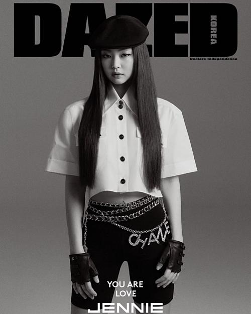 Quần cycling shorts giá 1.200 USD, tương đương 27,9 triệu đồng của Chanel được Jennie trưng diện khi xuất hiện trong tạp chí Dazed Korea số tháng 4/2019. Không ngoa khi nói Jennie sexy, cuốn hút hơn nhiều với kiểu quần bó hơi hướng thể thao.