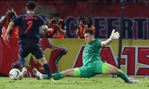 Hai màn cứu thua của Văn Lâm trong trận gặp Thái Lan