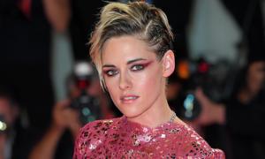 Kristen Stewart được khuyên che giấu giới tính để đóng phim Marvel