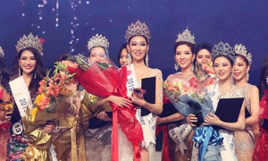 Hoa hậu Hàn Quốc trao vương miện cho 12 thí sinh