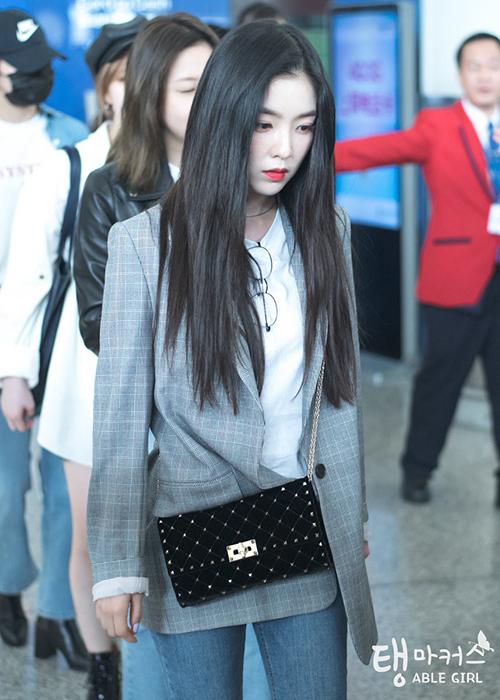 Irene đẹp nhất khi ra sân bay với áo phông trắng - 5