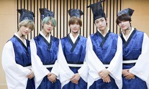 Idol Hàn mặc hanbok mừng Tết trung thu