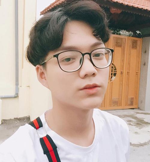 Diện mạo đời thường của Phạm Văn Thoại. Sau vòng thi Top Model Online 2019,Vòng casting chính thức của Vietnam's Next Top Model 2019 bắt đầu vào 25-26/9/2019