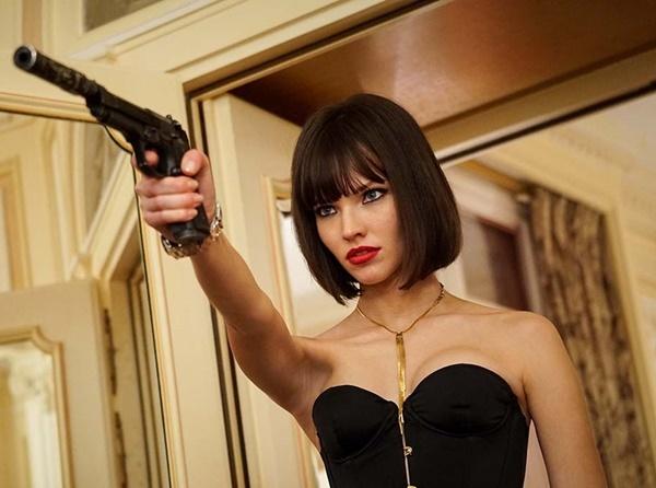 Nhờ bộ phim này, Sasha Luss lọt vào mắt xanh của đạo diễn, nhà sản xuất  nổi tiếng người Pháp Luc Besson. Cô được ông nhắm cho vai chính sát thủ  Anna trong bộ phim cùng tên đang thực hiện. Trong trailer đầu tiên do  nhà sản xuất tung ra, nữ chính Anna trở thành đề tài bình luận trên diễn  đàn phim ảnh. Truyền thông thậm chí gọi nhân vật Anna do Sasha Luss đảm  nhận là John Wick phiên bản nữ.
