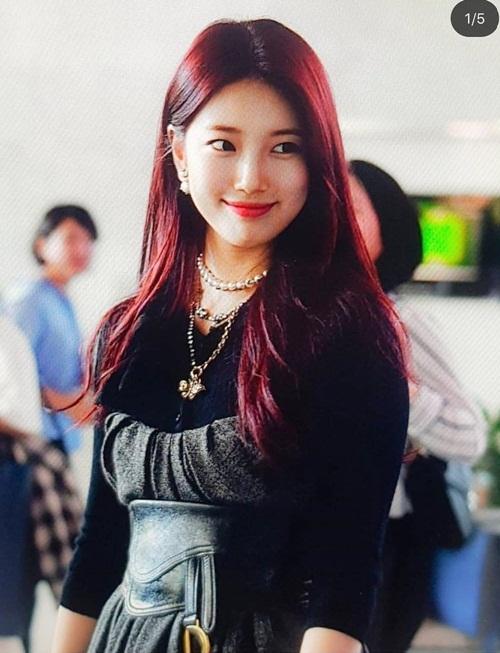 Suzy tóc đỏ xinh đẹp trong buổi họp báo Vagabond.