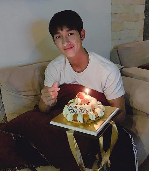 Song Luân mừng sinh nhật tuổi 28.