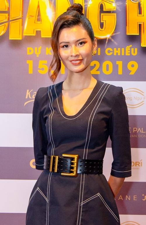 Dàn người đẹp góp mặt vào cuộc chiến nhan sắc trong phim còn có người mẫu Cao Thiên Trang