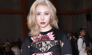 Sun Mi mặc xuyên thấu lộ nội y ở Milan