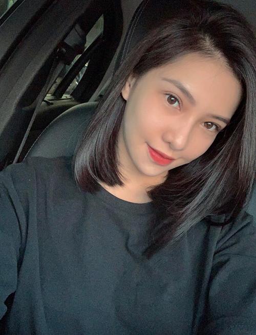 Trước khi quyết định tân trang nhan sắc, người đẹp Chạy trốn thanh xuân vốn đã được khen xinh đẹp. Tuy nhiên cô vẫn quyết định sang Hàn Quốc tút tát để gương mặt cân đối hơn, bớt cảm giác hốc hác, thiếu trẻ trung.