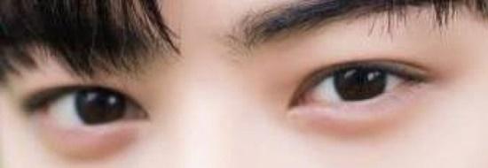 Đôi mắt mạnh mẽ, quyến rũ này là của nam idol Kpop nào?