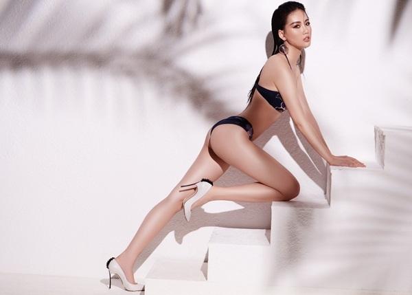Sau khi giành giải Vàng Siêu mẫu Việt Nam, Quỳnh Hoa kể, cô được khán giả biết đến nhiều hơn, nhận được sự ưu ái từ những người trong nghề nên có thể tạm gọi là đắt show, cả ở thị trường trong Nam lẫn ngoài Bắc. Cát-xê của cô tăng từ 5-7 lần so với thời điểm còn là một người mẫu vô danh.