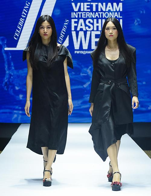 NTK Devon Nguyễn giới thiệu những thiết kế tông đen sắc lạnh, bí ẩn và phóng khoáng.
