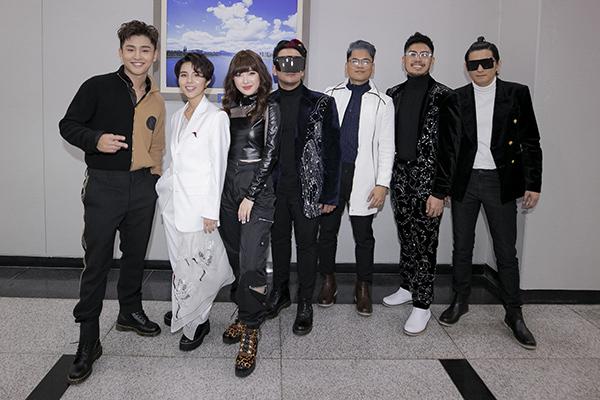Trình diễn cạnh dàn line up gồm nhóm nhạc WINNER, nhóm April, Eric Nam... nhưng Vũ Cát Tường là ca sĩ có lượng khán giả ủng hộ, gọi tên đông nhất trên livestream của đài MBC. Màn trình diễn tuyệt vời, cô ấy rất có khí chất... là những bình luận để lại.