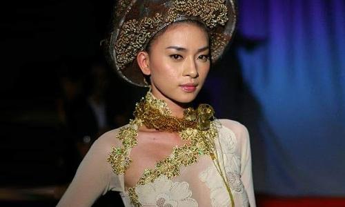 Ngô Thanh Vân lên tiếng khi bị chỉ trích ''mặc áo dài không nội y''