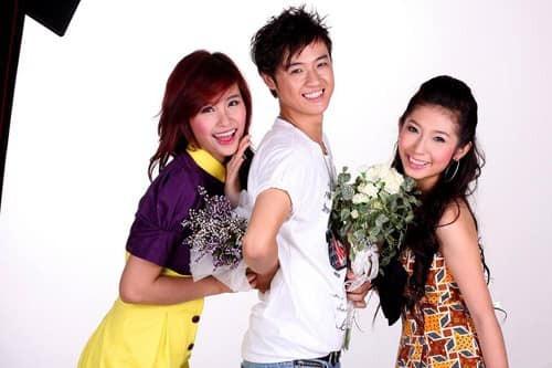 Thanh Duy chúc mừng Đông Nhi là người tìm được bến đỗ đầu tiên trong bộ ba ca sĩ teen thời năm 2010.