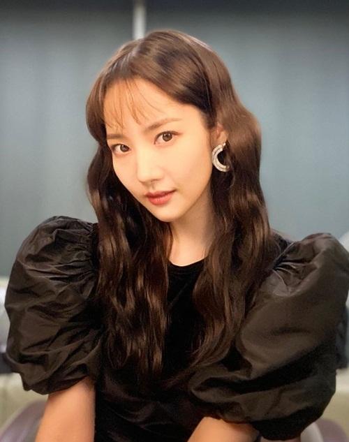 minyoung-6053-1574076549.jpg